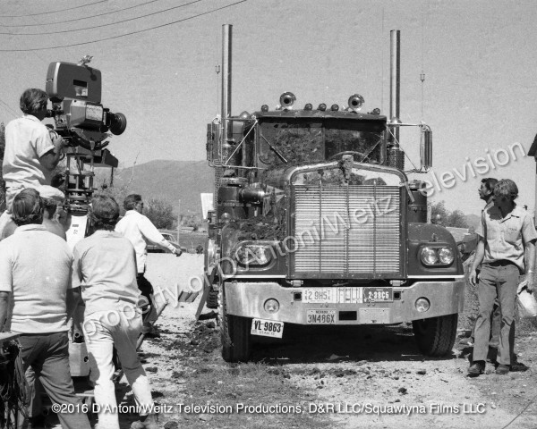 Kenworth 900 spattered with mud for a scene in Movin' On