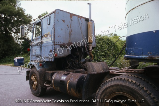 Rear view of GMC Cabover known as Pigpen in Movin' On